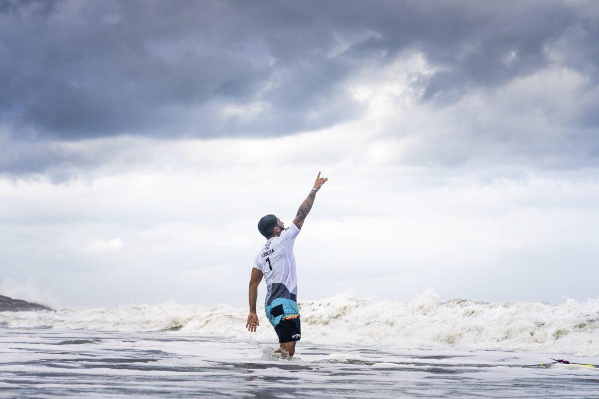 Ítalo Ferreira medalha de ouro surf olímpico